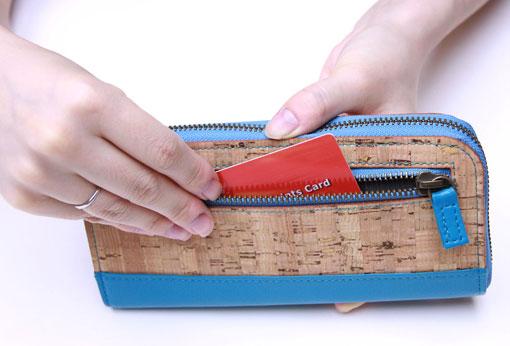 大きく口が開くラウンド財布