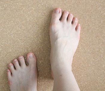 足をのせると温かくサラサラ