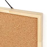シンプルな木枠のコルクボード