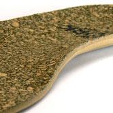 竹炭入りコルクインソール 立体的なカーブ