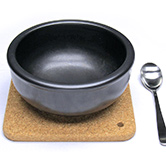鍋敷き使用イメージ 一人用土鍋と